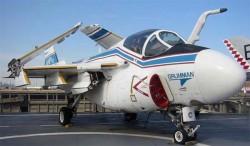 Палубный штурмовик A-6F Intruder II