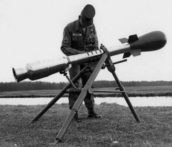 Безоткатная система с ядерными боеприпасами «Davy Crockett»