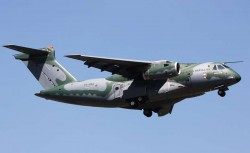 Военно-транспортный самолет Embraer KC-390