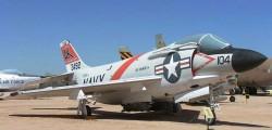 Палубный истребитель McDonnell F3H Demon