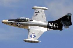 Палубный истребитель F9F Panther