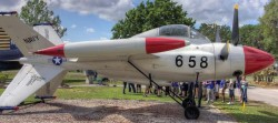 Экспериментальный истребитель Lockheed XFV-1 Salmon