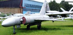 Опытный истребитель-перехватчик Ла-250