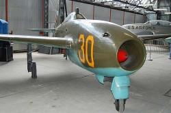 Истребитель Як-17