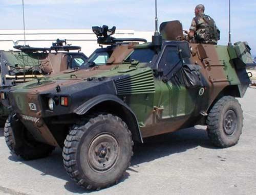 Плавающий бронеавтомобиль panhard m11