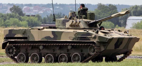 Українські військові переконали екстремістів повернути ще 4 БМД