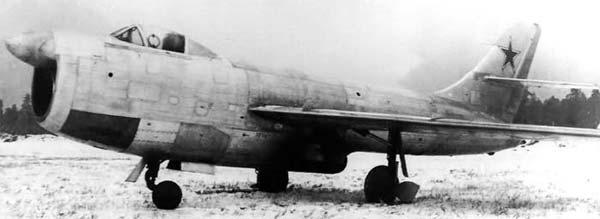 Опытный истребитель-перехватчик Су-15