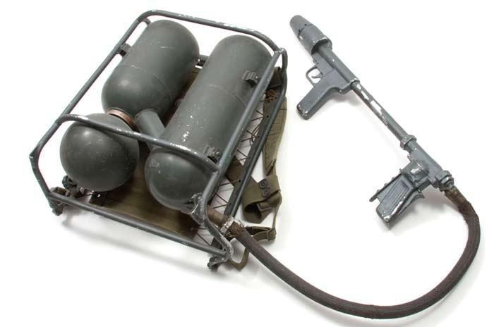 Ранцевый огнемёт M9A1-7
