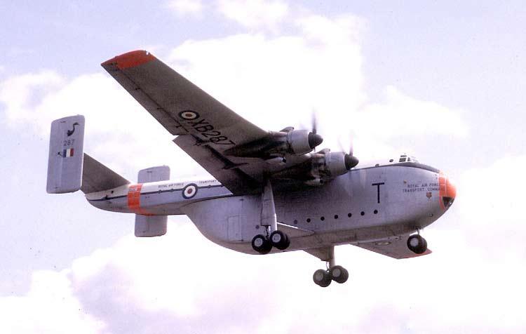 Военно-транспортный самолет Blackburn B-101 Beverley