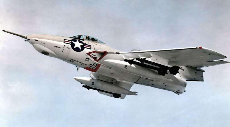 Палубный истребитель Grumman F9F «Cougar»