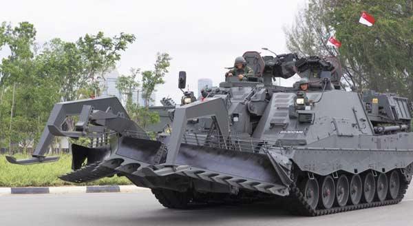 Бронированная машина разминирования Leopard 2R